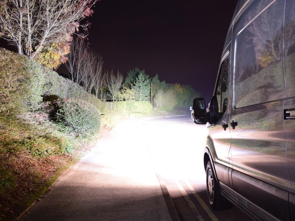 ford_transit_night_web